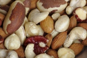 Fancy_raw_mixed_nuts_macro[1]